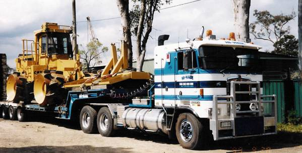 Heavy Earthmoving Equipment Transport